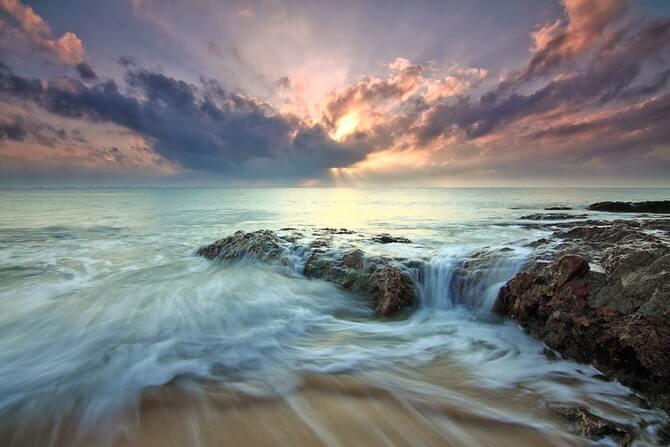 Recording the ocean: rock pools - ZapSplat - Download free