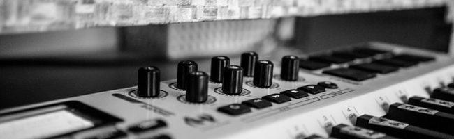 Royalty free music - keyboard